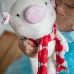 Pip the Pig pattern by Abby Glassenberg
