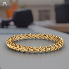 Silver bracelets for women. Know everything regarding expensive jewelry here in this text Gold Chain Design, Gold Bangles Design, Gold Earrings Designs, Gold Jewellery Design, Body Jewellery, Plain Gold Bangles, Mens Gold Bracelets, Braclets Gold, Earings Gold