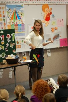 How to Teach a Nutrition Lesson (Grades – Super Healthy Kids Classroom Lesson: Fruits and Vegetables Health Unit, Health Class, Health Education, Physical Education, Science Education, Health Lesson Plans, Health Lessons, Science Lessons, Student Teaching