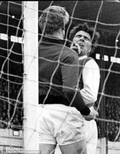 Gary Sprake lays out Bobby Gould