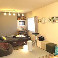 わくわくドキドキ……初めての一人暮らし。一人暮らしにまずは持っておきたい家具を、RoomClipユーザーさんのお部屋実例とともにご紹介。自分の趣味嗜好やライフスタイルに合ったものはもちろん、お部屋全体のバランスと、限られたスペースを上手に使える便利な家具選びがポイントです!