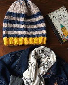 Buraya da bi bere koyduk😊 bu kısmı tamam. Ama... Bu kış görünümlü sonbaharda doğru ışığı yakalayanı önce Tübitak'a yönlendirip sonra taktir etmek isterim. Cidden iyi bi sanatçı gözü var diye😊 Bende olmadığından değil de 😜. Ne zaman pes edip malzemeleri kaldırsam ışık oluyor 🙈 Bende ise çekme Şevki olmuyor 😕 #sonbahar#bere#knitting #crochet#handmade#elemeği#ışık#şevk#başlarüşümesin#örmekiyigeliyor #crochetlove #laylayhobilerim#