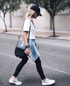 Bring back the style of tying your jacket around your waist! Here are our favorite ways to pair a jean jacket with leggings. We love being able to take something so versatile and make it into whatever we want! #jeanjacket #jeanjacketoutfit #leggingsoutfit