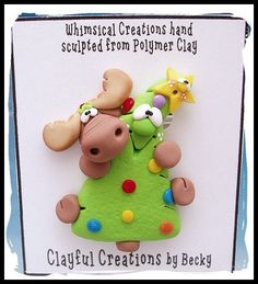 Becky's Polymer Clay Silly Tree Hugger Moose por clayfulcreations Polymer Clay Ornaments, Polymer Clay Dolls, Polymer Clay Projects, Polymer Clay Creations, Polymer Clay Jewelry, Biscuit, Polymer Clay Christmas, Clay Mugs, Cute Clay