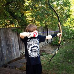My brother got a sick recurve bow for his b-day. He lemme shoot a few arrows. #sick #recurve #bow #awesome #birthday #Padgram