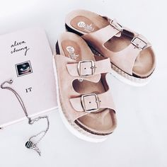 Slippers and sliders women's flat footwear – Just Trendy Girls Sock Shoes, Cute Shoes, Me Too Shoes, Shoe Boots, Shoes Sandals, Shoes 2018, Kinds Of Shoes, Dream Shoes, Shoe Closet