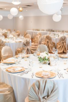 Champagne chair covers- White, gold, and champagne wedding reception Champagne Wedding Decorations, Champagne Wedding Colors, Gold Wedding Theme, Red Wedding, Wedding Flowers, Wedding Photos, Wedding Cake, Wedding Ideas, Quince Themes