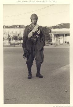 Folgore paratrooper, Cefalonia april 1941 - pin by Paolo Marzioli