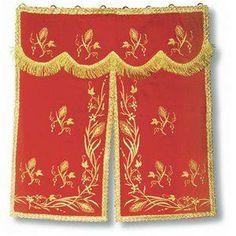 Conopêu ou Conopeu, é o véu que envolve o tabernáculo (a cortina que lhe cobre a fachada) quando nele se conserva o Santíssimo Sacramento