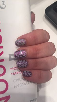 Fizzy Grape with Leo, Geo and Lace over it