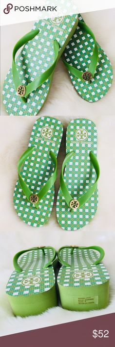 Tory Burch Wedge Flip Flop Sandle Green 7 New Without Tags Tory Butch Wedge Flip flop Sandle🔹Size 7🔹No trades, Smoke free home💕 Tory Burch Shoes Wedges