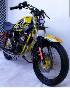 Image may contain: motorcycle Bobber Bikes, Cafe Racer Bikes, Satria Fu, Yamaha Rx100, African Shirts For Men, Tracker Motorcycle, Bike Photo, King Cobra, Kawasaki Ninja