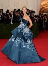"KarolÌna Kurkov· attends The Metropolitan Museum of Art's Costume Institute benefit gala celebrating ""Charles James: Beyond Fashion"" on Mond..."