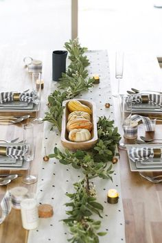 60 DIY Thanksgiving Table Setting Ideas - Table Décor and Place Settings for Thanksgiving
