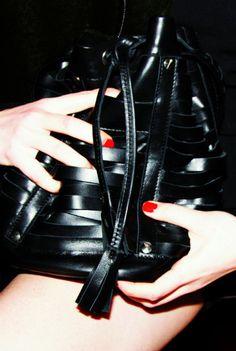 Braid Bucket Bag von Sloe um 390 Euro