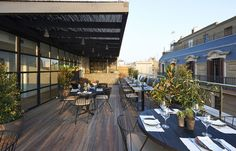 hotelsociety:  travelplusstyle:  The Serras Barcelona, Spain.Sleek 30-room boutique on the site of Picasso's first studio, with a rooftop pool and a restaurant helmed by a Michelin-starred chef.  Looks amazing!