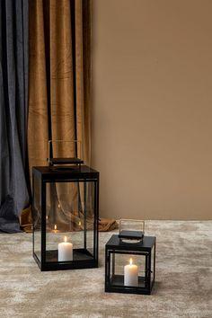 Son lanterne - Lanterner - Skeidar Curtains, Home Decor, Lantern, Blinds, Decoration Home, Room Decor, Draping, Home Interior Design, Picture Window Treatments