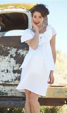 """Wedding dresses for pregnant brides that don't look like """"frumpy messes""""   Offbeat Bride"""