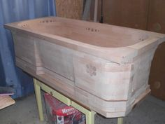 Mitja Narobe's wooden bathtub build - Very pretty, but would have put it in a different setting :)