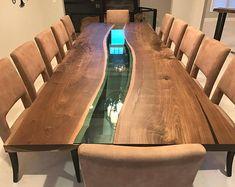 Live Rand schwarz Nussbaum-Fluss-Tabelle mit Halbmond Basis - Live-Rand-Designs von Planke zu Tisch