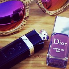 Lo nuevo en el blog es ideal! No te lo pierdas (Link en Bio)// U can read about my new nailpolish, Purple Mix by Dior, un my blog