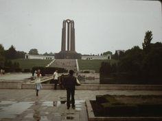 Romania 1984-1986 vazuta din ambasada SUA | Muzeul de Fotografie Bucharest, Socialism, Old City, Romania, Travel, Life, Viajes, Old Town, Destinations