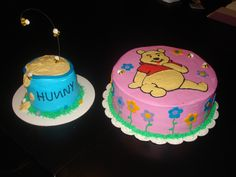 Winnie the Pooh cake with hunny pot smash cake.
