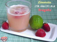 #Limonata con #ghiaccio alla #fragola = frambozenlimonade met ijs (ghiaccio - dat je uitspreekt als ghiejatsjo)