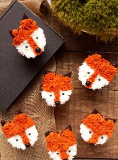 Simple Fox Cupcakes with a How to Video   The Bearfoot Baker