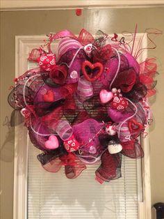 Valentine's Wreath -Geo Mesh Pink/blk/red