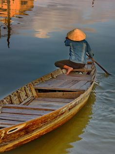 by Philip Lacombe / Scenery Photography, Figure Photography, Landscape Photography, Fly Around The World, Around The Worlds, Beautiful Vietnam, Art Asiatique, Victorian Art, Laos
