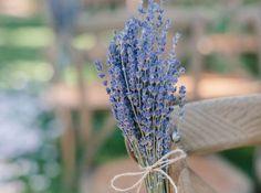 Bouquet de lavande ou épis de blés pour décorer les bancs