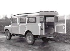 """Land Rover Serie One 107"""" Station Wagon"""