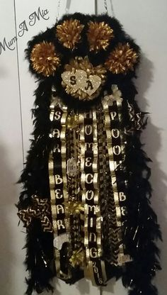 Mega Paw Print Homecoming Mum