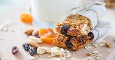 Recette de Barres de flocons d'avoine aux céréales et aux fruits secs spécial chrononutrition. Facile et rapide à réaliser, goûteuse et diététique.