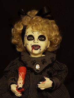 33 Delicate Halloween Dolls For Kids Halloween Graveyard, Halloween Inspo, Halloween Doll, Scary Halloween, Halloween Pumpkins, Halloween Crafts, Halloween Party, Halloween Queen, Halloween Makeup