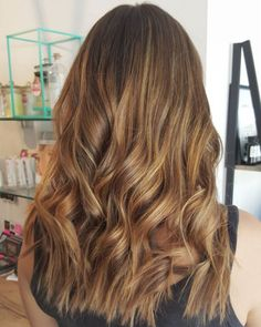 Dark Brown Hair With Caramel Ombre Highlights Caramel Ombre Hair, Brown Hair With Caramel Highlights, Hair Color Highlights, Ombre Hair Color, Brown Hair Colors, Chunky Highlights, Carmel Brown Hair, Carmel Hair Color, Brown Hair Bangs