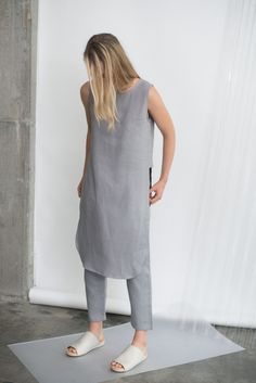Style Minimaliste, Grey Outfit, Linen Dresses, Minimal Fashion, Everyday Fashion, Mantel, Casual Wear, Fashion Brands, Style Me