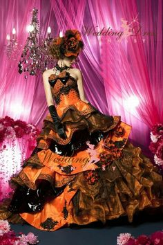 Wedding Dress Fantasy - Gorgeous Halloween Wedding Dress in Orange and Black Black Wedding Gowns, Custom Wedding Dress, Sexy Wedding Dresses, Gothic Wedding, Wedding Dress Styles, Formal Wedding, Wedding Ideas, Gold Wedding, Vampire Wedding