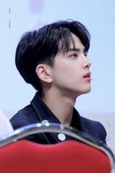 190830 팬싸인회 Ulzzang Korea, Ulzzang Boy, Pixie Hairstyles, Pixie Haircut, Never Fall In Love, My Love, Korean Men Hairstyle, Kim Young, Fandom