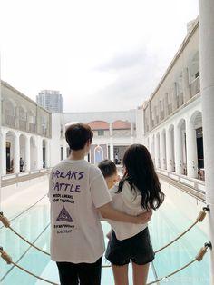 Couple Aesthetic, Korean Aesthetic, Ulzzang Korean Girl, Ulzzang Couple, Cute Family, Family Goals, Cute Baby Pictures, Couple Pictures, Couple With Baby