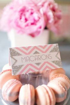 striped pink macarons by Anges De Sucre