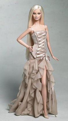 Barbie Collector Gold Label -Barbie Versace 2004 de Mattel, http://www.amazon.fr/dp/B0007WXJGS/ref=cm_sw_r_pi_dp_n3t0rb1BK6Q8X