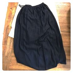 Navy blue maxi skirt Only worn once, maxi skirt that goes with anything Madewell Skirts Maxi