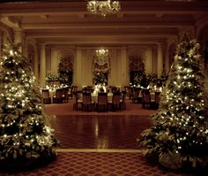 Winter is a wonderful time for a wedding! Ballroom – Otesaga Hotel Coopersto… Winter is a wonderful time for a wedding! Elegant Christmas Decor, Blue Christmas Decor, Classy Christmas, Christmas Scenes, Beautiful Christmas, Christmas Wedding, Christmas Home, Winter Wedding Decorations, Christmas Party Decorations