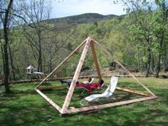 Garden pyramid for relaxation and healing