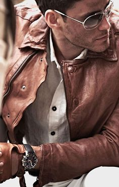 need a brown leather jacket xD