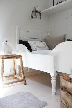 rustic and chic bedroom | interiors