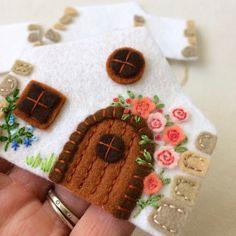 Felt Crafts, Fabric Crafts, Crafts To Make, Sewing Crafts, Earth Craft, Felt Mushroom, Felt Cupcakes, Felt House, Wool Applique Patterns