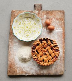 Bring a bit of old-world charm to your farmhouse kitchen with our Hand Painted Pie Dish. This unique pie dish features a colorful design on a crisp white glaze. Diam x Coordinates with our Hand Painted Wall Cone Vases. Black Kitchen Cabinets, Diy Workshop, Creative Co Op, Homemade Pie, Pie Plate, Kitchen Colors, Unique Home Decor, Pie Dish, Hostess Gifts